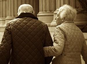 ElderlyCoupleWalking